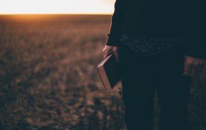 Como ajudar um jovem? A relação de Barnabé e Marcos