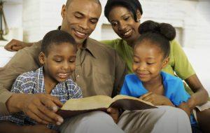 A importância da presença do pai e da mãe – Jornal Árvore da Vida