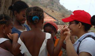 O BooKafé leva livros, carinho e muito amor para comunidades carentes em Cabo Verde – África.